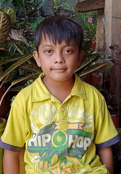 Help Christian Jade Balete by becoming a child sponsor. Sponsoring a child is a rewarding and heartwarming experience.