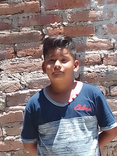 Help Alonso by becoming a child sponsor. Sponsoring a child is a rewarding and heartwarming experience.