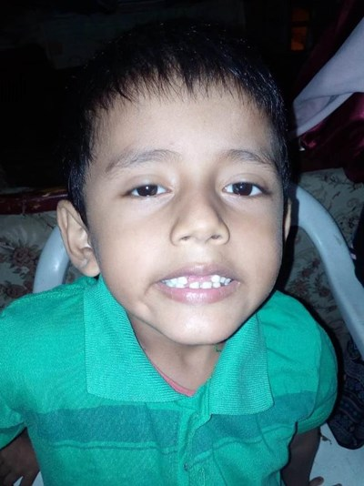 Help Fernando Benjamín by becoming a child sponsor. Sponsoring a child is a rewarding and heartwarming experience.
