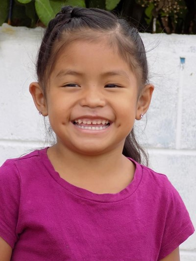 Help Damaris Estefania by becoming a child sponsor. Sponsoring a child is a rewarding and heartwarming experience.