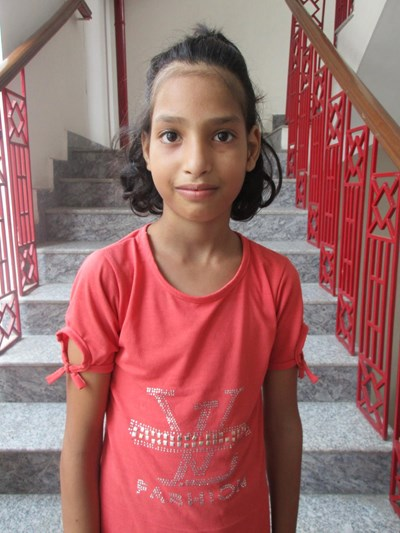 Help Urvashi by becoming a child sponsor. Sponsoring a child is a rewarding and heartwarming experience.