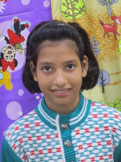 Ayude a Urvashi apadrinándole hoy. El apadrinamiento es una experiencia hermosa y gratificante.