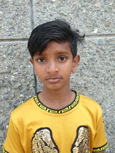 Ayude a Sahil apadrinándole hoy. El apadrinamiento es una experiencia hermosa y gratificante.