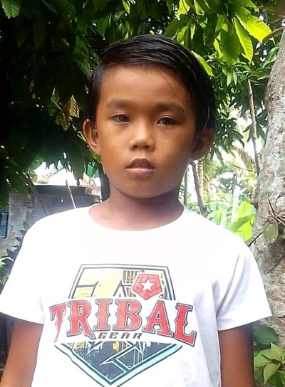 Help Justin M. by becoming a child sponsor. Sponsoring a child is a rewarding and heartwarming experience.