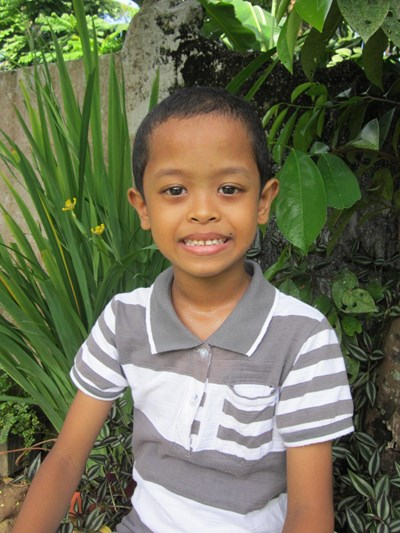 Help Jay Q. by becoming a child sponsor. Sponsoring a child is a rewarding and heartwarming experience.