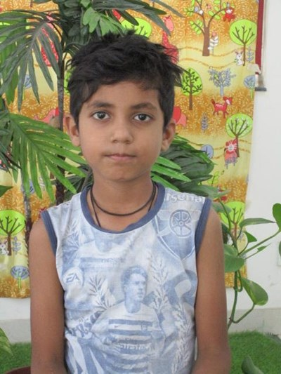 Help Deva by becoming a child sponsor. Sponsoring a child is a rewarding and heartwarming experience.