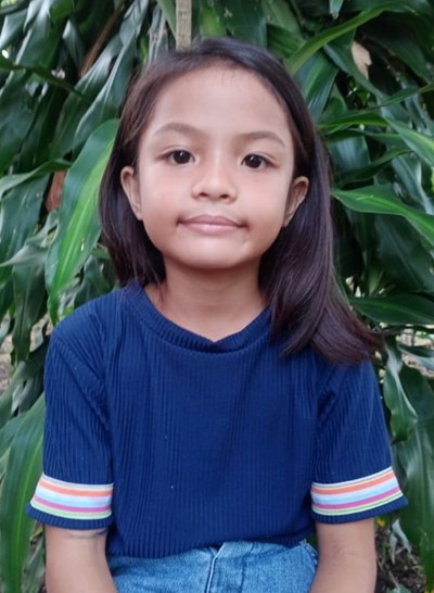 Help Schwaze Gabrielle N. by becoming a child sponsor. Sponsoring a child is a rewarding and heartwarming experience.