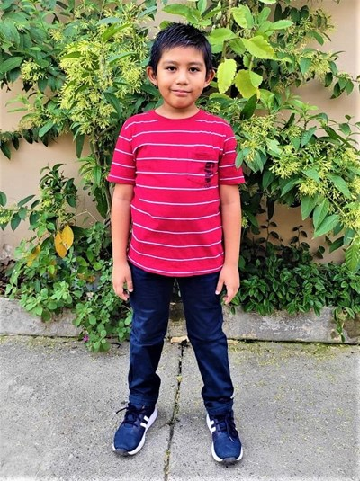 Help Dereck Moises by becoming a child sponsor. Sponsoring a child is a rewarding and heartwarming experience.