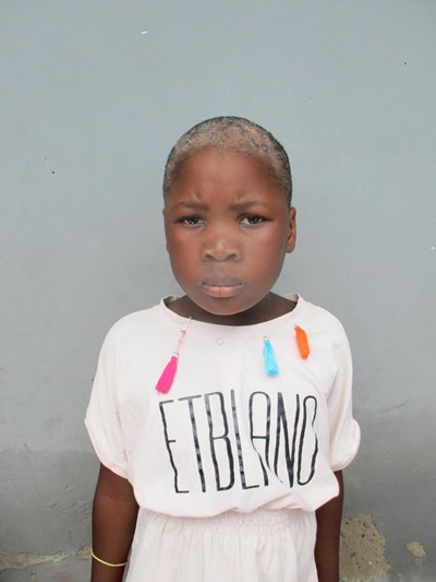 Help Anna by becoming a child sponsor. Sponsoring a child is a rewarding and heartwarming experience.