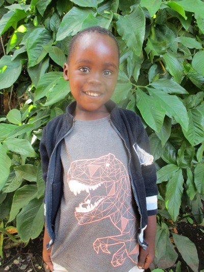 Help Benson by becoming a child sponsor. Sponsoring a child is a rewarding and heartwarming experience.