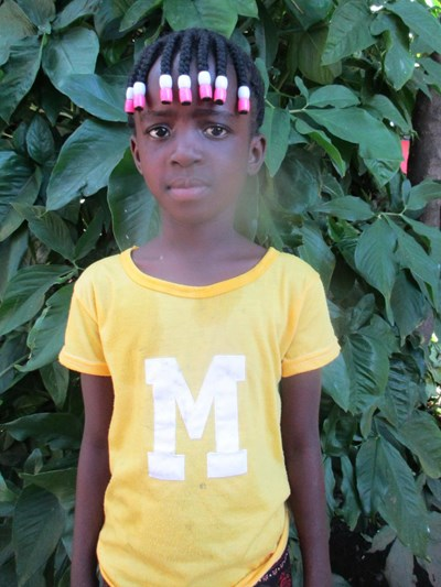Help Favour by becoming a child sponsor. Sponsoring a child is a rewarding and heartwarming experience.