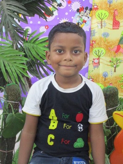 Help Ravinder by becoming a child sponsor. Sponsoring a child is a rewarding and heartwarming experience.