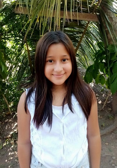 Help Dayani Nicol by becoming a child sponsor. Sponsoring a child is a rewarding and heartwarming experience.