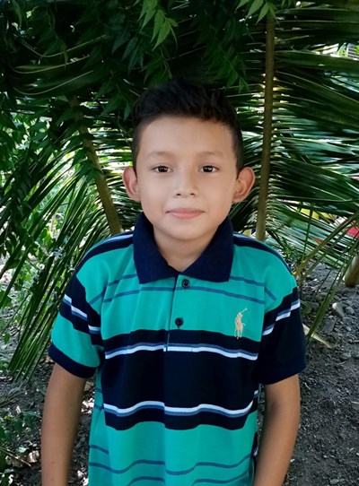 Help Cristhian Oracio by becoming a child sponsor. Sponsoring a child is a rewarding and heartwarming experience.