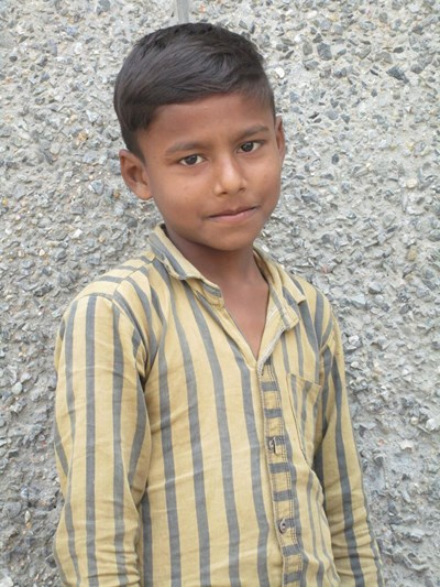 Help Devender by becoming a child sponsor. Sponsoring a child is a rewarding and heartwarming experience.