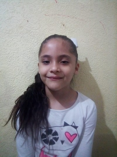 Help Flor Sinaí by becoming a child sponsor. Sponsoring a child is a rewarding and heartwarming experience.