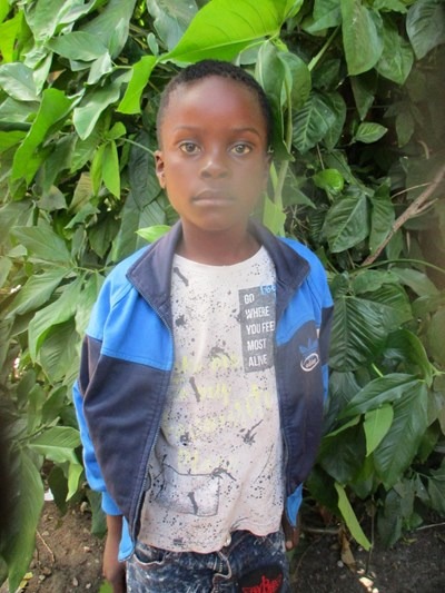 Help Chris by becoming a child sponsor. Sponsoring a child is a rewarding and heartwarming experience.