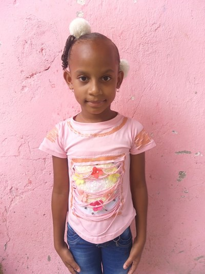 Help Yolimar by becoming a child sponsor. Sponsoring a child is a rewarding and heartwarming experience.