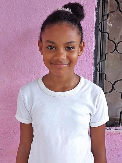 Help Alison Andrea by becoming a child sponsor. Sponsoring a child is a rewarding and heartwarming experience.
