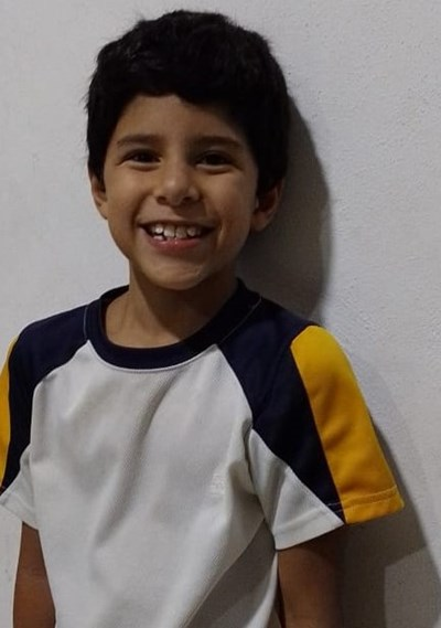 Help Oscar Alejandro by becoming a child sponsor. Sponsoring a child is a rewarding and heartwarming experience.