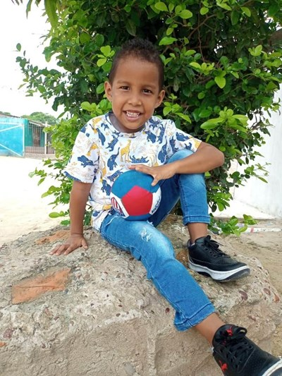 Help Mathias David by becoming a child sponsor. Sponsoring a child is a rewarding and heartwarming experience.