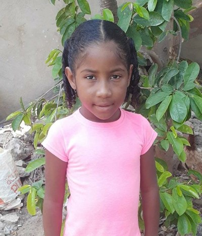 Help Yani Luz by becoming a child sponsor. Sponsoring a child is a rewarding and heartwarming experience.