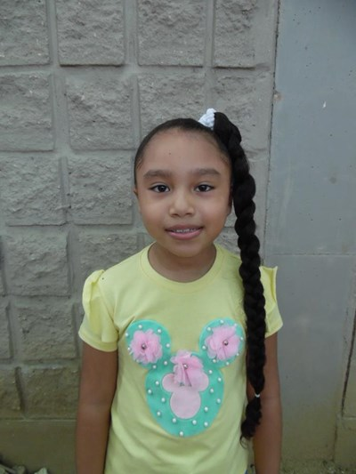 Help Orlanys Carolina by becoming a child sponsor. Sponsoring a child is a rewarding and heartwarming experience.