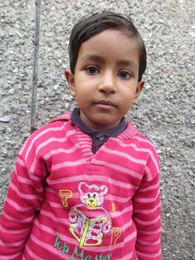 Ayude a Bhumika apadrinándole hoy. El apadrinamiento es una experiencia hermosa y gratificante.