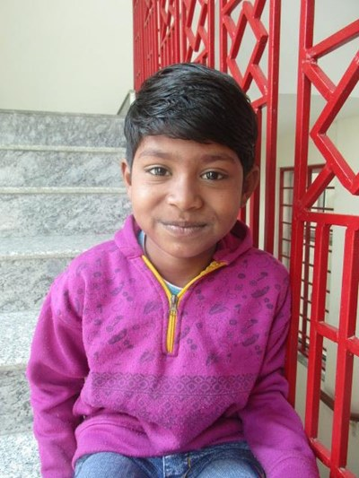 Help Paras by becoming a child sponsor. Sponsoring a child is a rewarding and heartwarming experience.