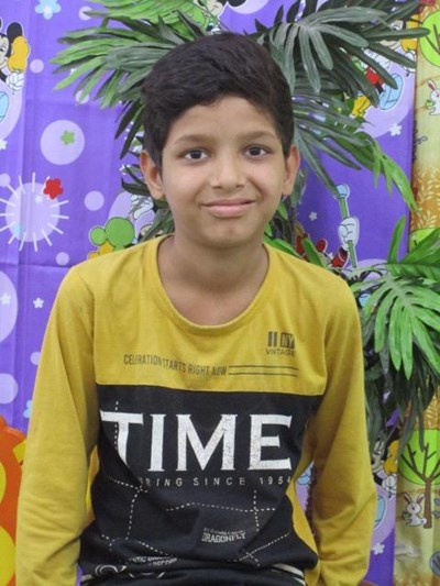 Help Hans by becoming a child sponsor. Sponsoring a child is a rewarding and heartwarming experience.