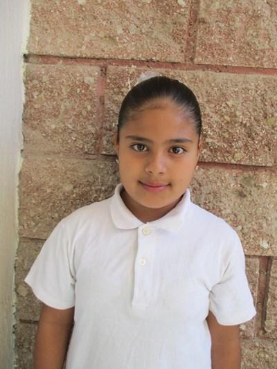 Ayude a Hannae Guadalupe apadrinándole hoy. El apadrinamiento es una experiencia hermosa y gratificante.