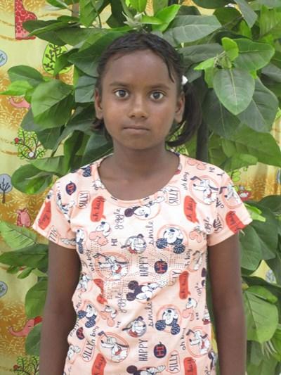 Ayude a Shanti apadrinándole hoy. El apadrinamiento es una experiencia hermosa y gratificante.