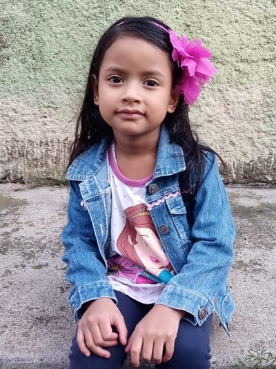 Help Ruth Anai by becoming a child sponsor. Sponsoring a child is a rewarding and heartwarming experience.