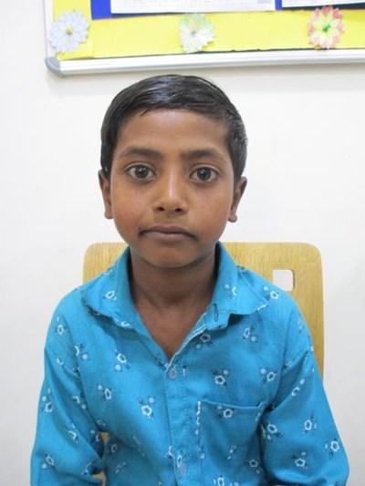 Ayude a Samad apadrinándole hoy. El apadrinamiento es una experiencia hermosa y gratificante.