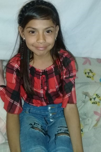 Help Alison De La Cruz by becoming a child sponsor. Sponsoring a child is a rewarding and heartwarming experience.