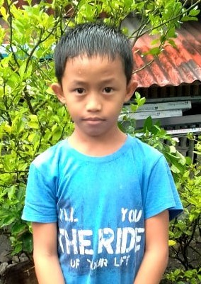 Help Lenard by becoming a child sponsor. Sponsoring a child is a rewarding and heartwarming experience.