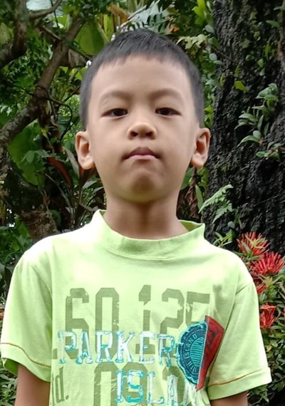 Help Gabriel M. by becoming a child sponsor. Sponsoring a child is a rewarding and heartwarming experience.