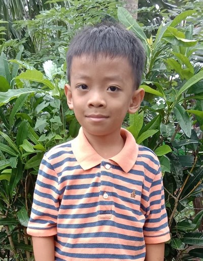 Help Rafael A. by becoming a child sponsor. Sponsoring a child is a rewarding and heartwarming experience.