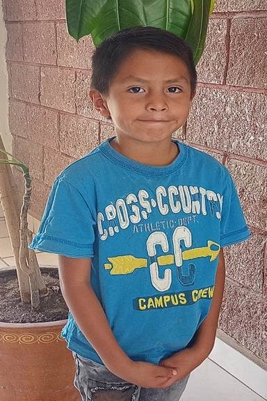 Help Christian Omar by becoming a child sponsor. Sponsoring a child is a rewarding and heartwarming experience.
