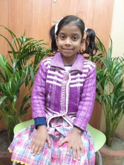 Ayude a Barsha Kumari apadrinándole hoy. El apadrinamiento es una experiencia hermosa y gratificante.