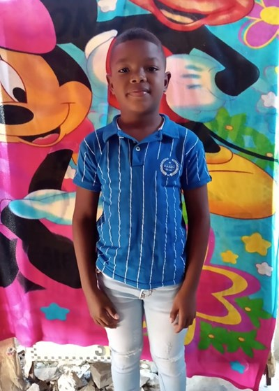 Help Alan David by becoming a child sponsor. Sponsoring a child is a rewarding and heartwarming experience.