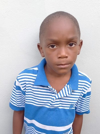 Help Kensy by becoming a child sponsor. Sponsoring a child is a rewarding and heartwarming experience.