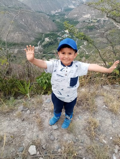 Help Cristofer Benjamin by becoming a child sponsor. Sponsoring a child is a rewarding and heartwarming experience.