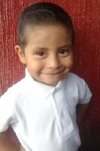 Help Matias by becoming a child sponsor. Sponsoring a child is a rewarding and heartwarming experience.