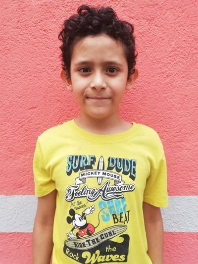 Help Hamilton Amir Vicente by becoming a child sponsor. Sponsoring a child is a rewarding and heartwarming experience.