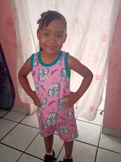 Help Karen Lizeth by becoming a child sponsor. Sponsoring a child is a rewarding and heartwarming experience.