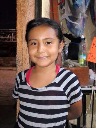 Help Jarely Lizzet by becoming a child sponsor. Sponsoring a child is a rewarding and heartwarming experience.