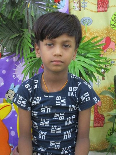 Help Veer by becoming a child sponsor. Sponsoring a child is a rewarding and heartwarming experience.