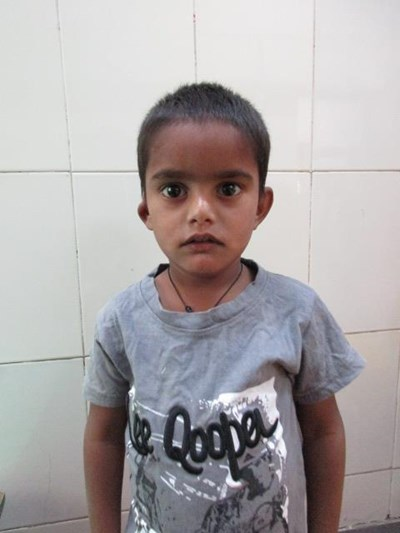 Help Aashif by becoming a child sponsor. Sponsoring a child is a rewarding and heartwarming experience.