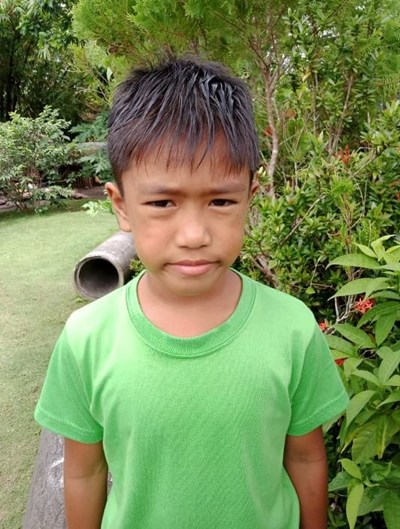 Help Edcel M. by becoming a child sponsor. Sponsoring a child is a rewarding and heartwarming experience.